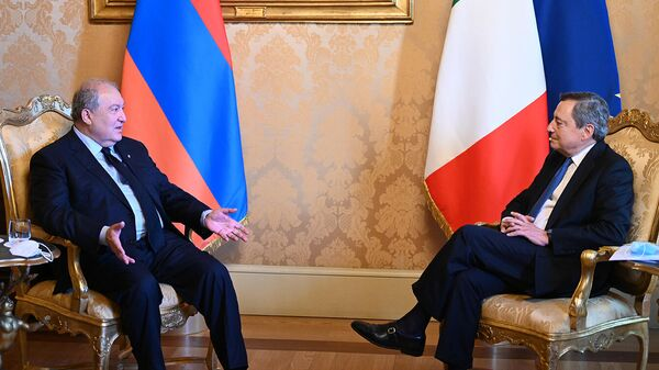 Встреча президента Армении Армена Саркисяна с председателем Совета министров Италии Марио Драги (7 октября 2021). Рим - Sputnik Արմենիա