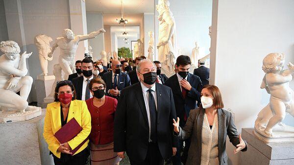 Հայաստանի Հանրապետության նախագահ Արմեն Սարգսյանն այցելել է Հռոմի Լա Սապիենցա համալսարանРим - Sputnik Արմենիա