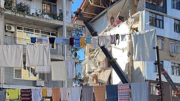 В Батуми частично обрушилось жилое здание - Sputnik Армения