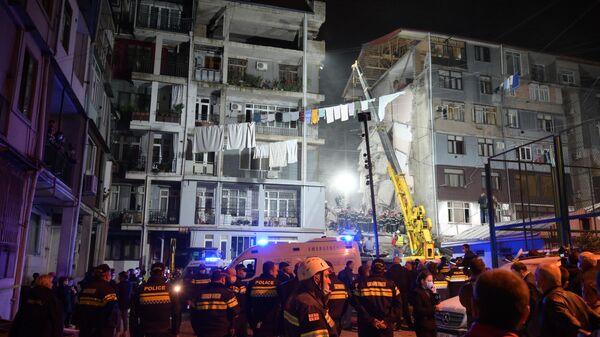 Обрушение части жилого дома в Батуми - Sputnik Армения