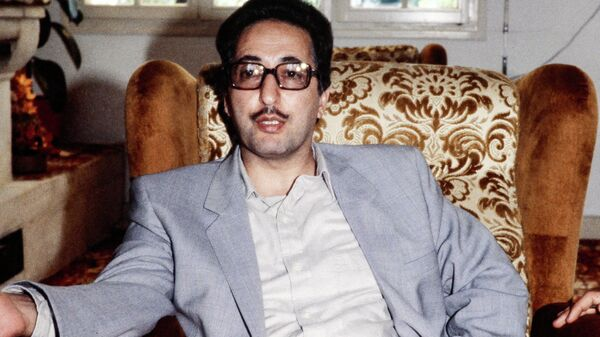 Бывший президент Ирана Аболхассан Банисадр в Овер-сюр-Уазе (19 августа 1981). Париж - Sputnik Армения
