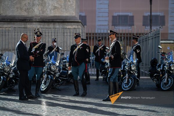 Почетный караул Италии после визита президента Армении в Палаццо Киджи - Sputnik Армения