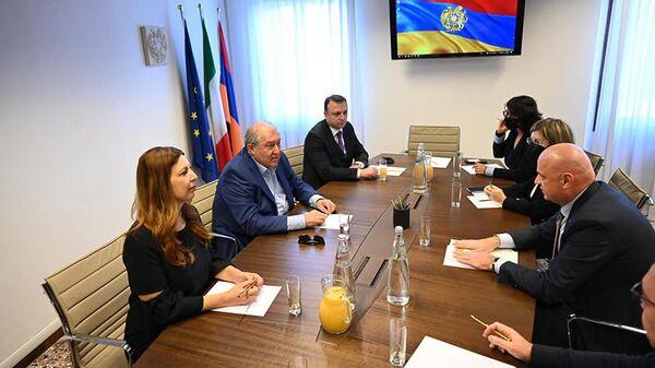 Президент Армен Саркисян посетил почетное консульство Армении в Венеции. - Sputnik Արմենիա