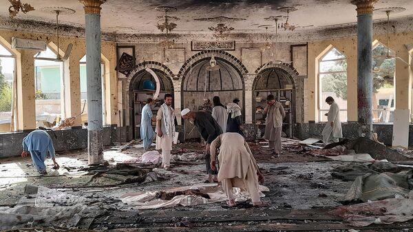 Последствия взрыва внутри мечети в Кундузе, Афганистан - Sputnik Армения