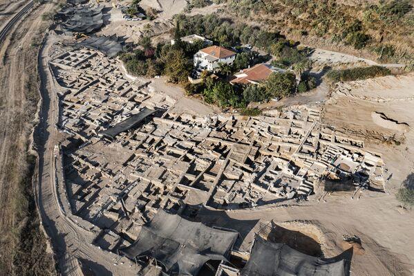 Вид сверху на древний винодельческий комплекс возрастом около 1500 лет в израильском городе Явне. - Sputnik Армения