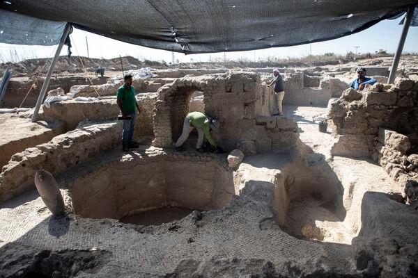 Руины 1500-летней византийской винодельни в Явне, Израиль. - Sputnik Армения