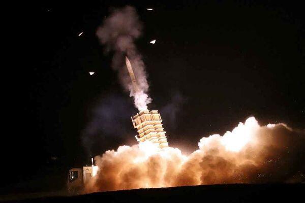 Залп зенитной ракетной установки во время совместных военных учений иранской армии и Корпуса стражей Исламской революции. - Sputnik Армения