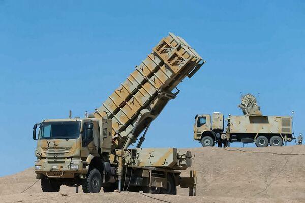Иранская зенитно-ракетная установка во время совместных военных учений иранской армии и Корпуса стражей Исламской революции. - Sputnik Армения