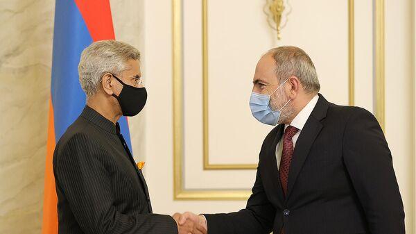 Премьер-министр Никол Пашинян встретился с министром иностранных дел Индии Субраманямом Джайшанкаром (13 октября 2021). Ереван - Sputnik Армения