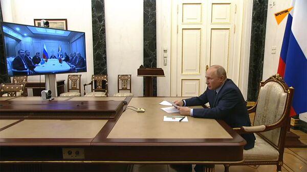 Владимир Путин провел встречу с руководителями органов безопасности и спецслужб стран СНГ - Sputnik Армения