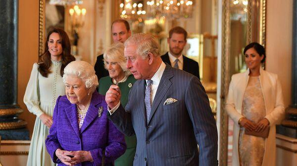 Британская королевская семья во время приема в Букингемском дворце по случаю пятидесятой годовщины вступления в должность принца Уэльского (5 марта 2019). Лондон - Sputnik Армения