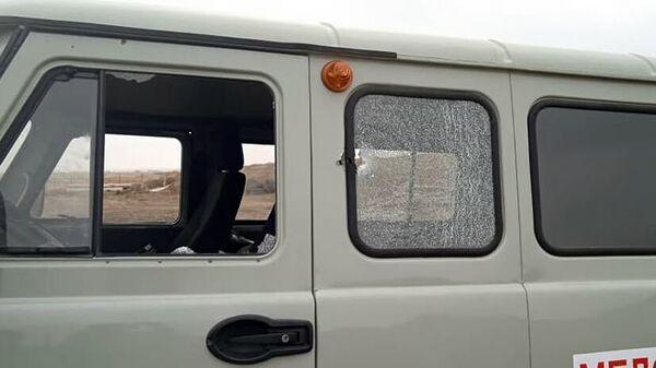 Армия обороны Карабаха опубликовала фотографии, попавшего под азербайджанский обстрел медицинский автомобиль (15 октября 2021). Карабах - Sputnik Армения