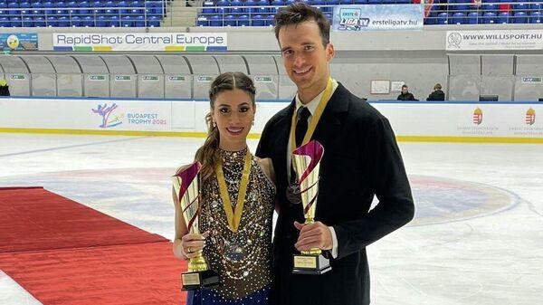 Армянские фигуристы Тина Карапетян и Симон Пру-Сенекал завоевали золотую медаль на международном турнире в Будапеште - Sputnik Армения