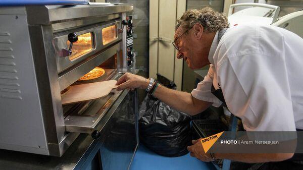 Շվեյցարացի շեֆ խոհարար Ռետո Մատիսը վարպետության դաս է անցկացնում Երևանում - Sputnik Արմենիա