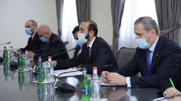 Հայաստանի արտաքին գործերի նախարար Արարատ Միրզոյանն ընդունել է Կովկասում և Կենտրոնական Ասիայում ՆԱՏՕ-ի գլխավոր քարտուղարի հատուկ ներկայացուցիչ Խավիեր Կոլոմինա Պիրիսին - Sputnik Արմենիա
