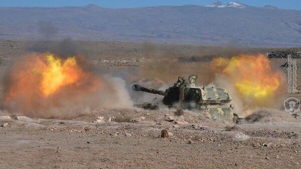 В одной из воинских частей республики стартовали трехдневные показательные учения с боевой стрельбой (25 октября 2021). Армения - Sputnik Армения