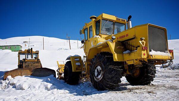 Снегоуборочная техника на Военно-Грузинской дороге. - Sputnik Армения