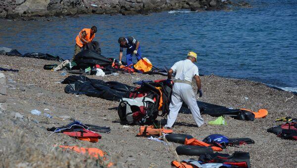 Беженцы на острове Лесбос в Греции - Sputnik Արմենիա