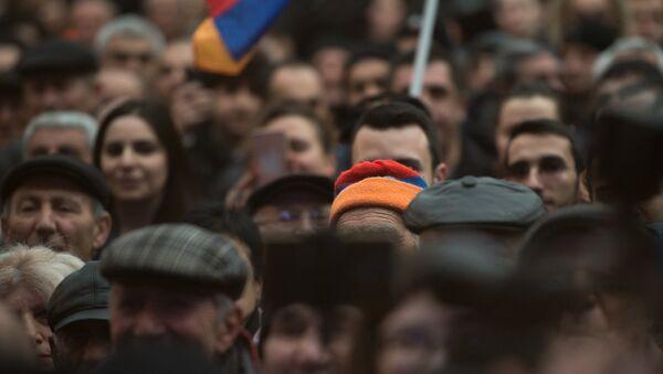 Во время акции Нет подорожанию - Sputnik Արմենիա