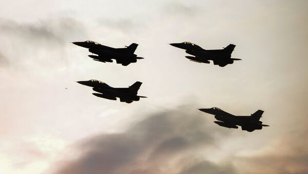 Истребители F16 турецких военно-воздушных сил. Архивное фото - Sputnik Արմենիա