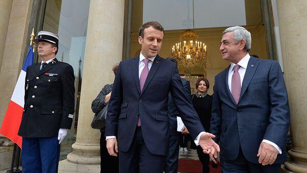Президенты Франции и Армении Серж Саргсян и Эммануэль Макрон после совместной пресс-конференции в рамках рабочего визита во Францию (23 января 2018). Париж, Франция. - Sputnik Արմենիա