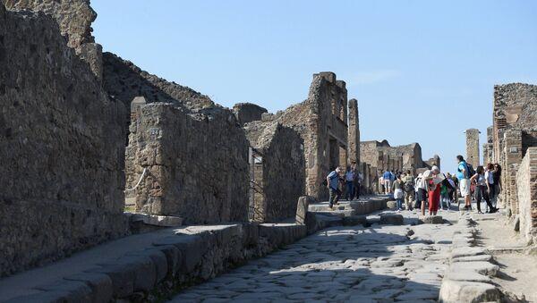 Руины города-музея под открытым небом Помпеи. - Sputnik Армения