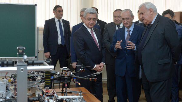 Президент Серж Саргсян посетил НПУА - Sputnik Армения