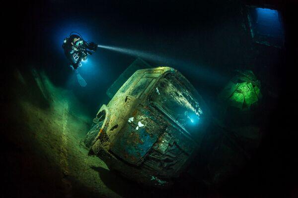 Wrecks անվանակարգում երրորդ տեղը զբաղեցրած գերմանացի լուսանկարիչ Tobias Friedrich–ի «TRUCK-NOBIA» լուսանկարը։ - Sputnik Արմենիա