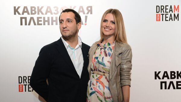 Актер Арарат Кещян и его супруга - Sputnik Արմենիա