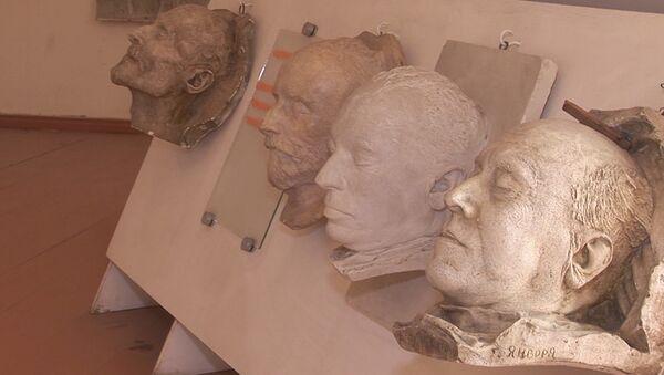 45 տարվա ընթացքում Սերգեյ Մերկուրովը հայտնի գործիչների հետմահու ավելի քան 300 դիմակ է պատրաստել։ - Sputnik Արմենիա