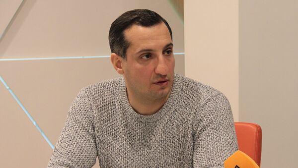Юморист, актер Арарат Кещян - Sputnik Армения