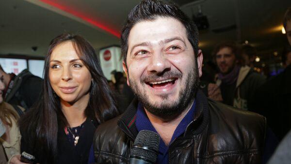 Шоумен Михаил Галустян с супругой Викторией  - Sputnik Արմենիա