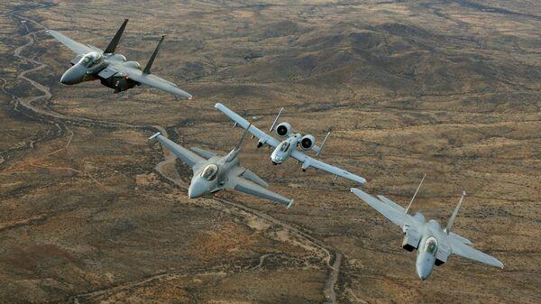 Истребители F15, F16 и штурмовик A10 - Sputnik Армения