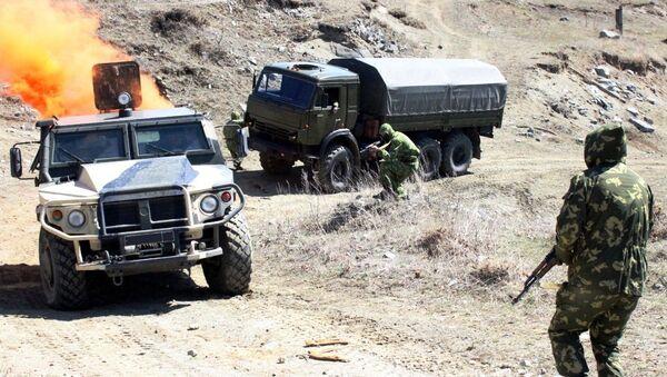 В Армении разведчики ЮВО осваивают мастерство альпинизма под наблюдением БЛА - Sputnik Армения