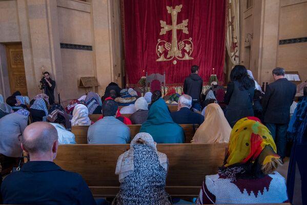 Սուրբ Հարության տոնի պատարագը Կաթողիկե Սբ. Աստվածածին եկեղեցում - Sputnik Արմենիա