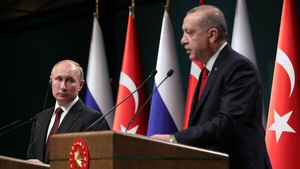 Президенты РФ и Турции Владимир Путин и Реджеп Тайип Эрдоган на совместной пресс-конференции (3 апреля 2018). Анкара, Турция - Sputnik Армения