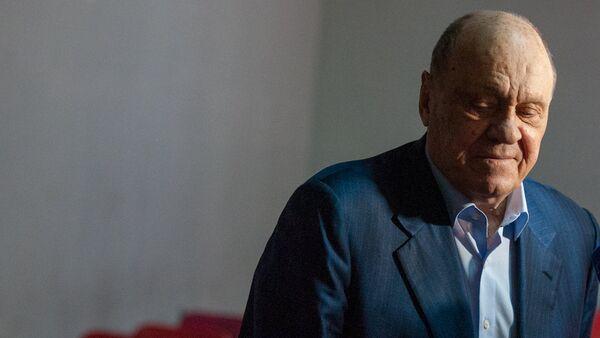 Режиссер, актер Владимир Меньшов выступает с мастер-классом в Ереванском институте театра и кино (4 апреля 2018). Ереван - Sputnik Արմենիա