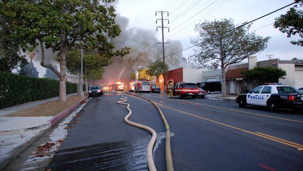 Тушение пожара в Санта Монике, США - Sputnik Армения