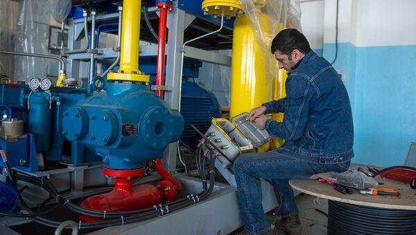 Монтаж оборудования на заводе газовых компрессоров - Sputnik Արմենիա