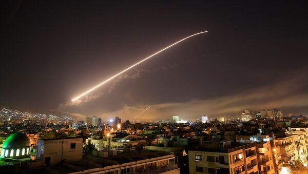 Ночное небо над Дамаском (14 апреля 2018). Сирия - Sputnik Армения