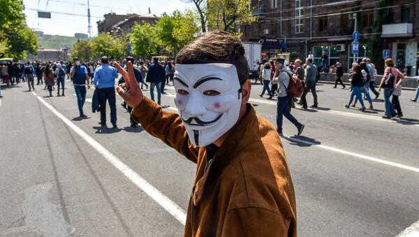 Активисты на улице Корюна (18 апреля 2018). Еревaн - Sputnik Արմենիա
