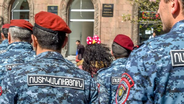 Протестующие на улице Агатангегоса (19 апреля 2018). Ереван - Sputnik Արմենիա