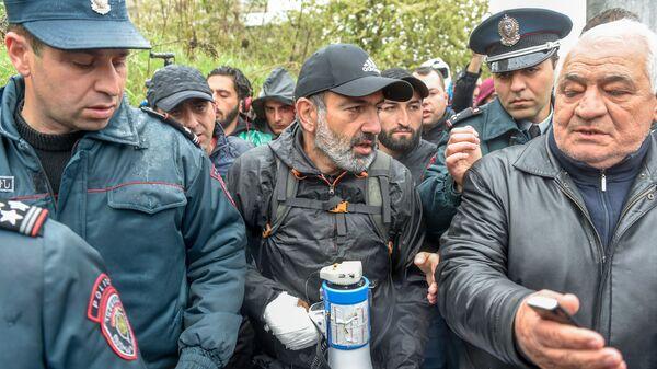 Акция протеста оппозиции в округе Нор Норк (21 апреля 2018). Ереван - Sputnik Армения
