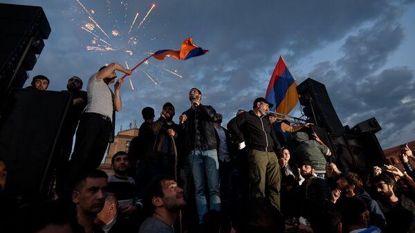 Митинг протестного движения Мой шаг на площади Республики (23 апреля 2018). Ереван - Sputnik Армения