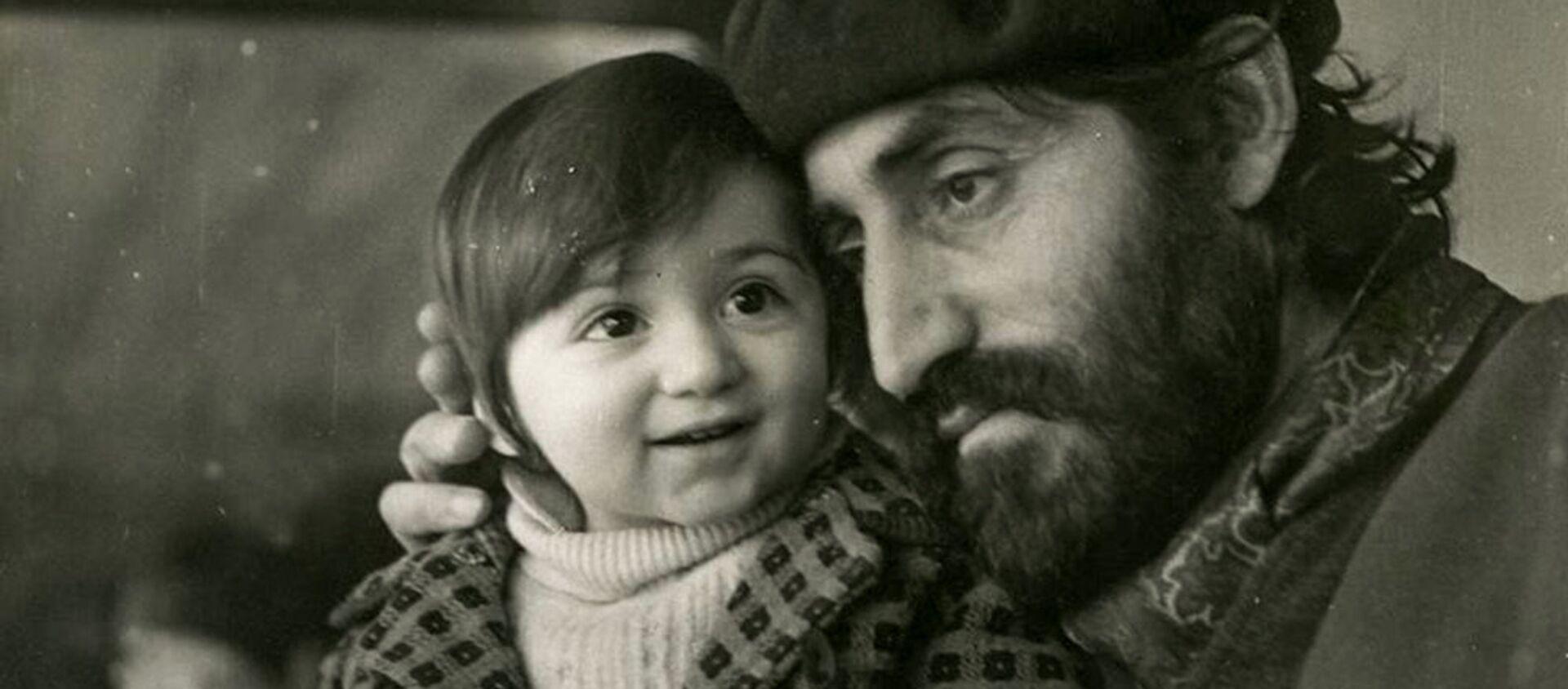 Минас с сыном Нареком - Sputnik Армения, 1920, 28.04.2018