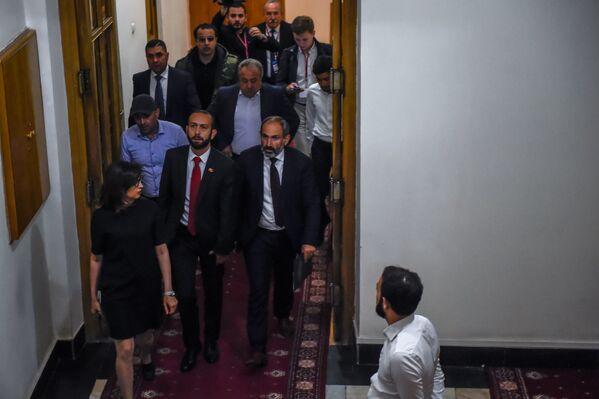 «Ելք» խմբակցության անդամները նիստից առաջ - Sputnik Արմենիա