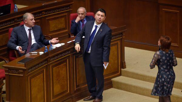 Специальное заседание парламента по выборам нового премьер-министра Армении (1 мая 2018). Еревaн - Sputnik Արմենիա