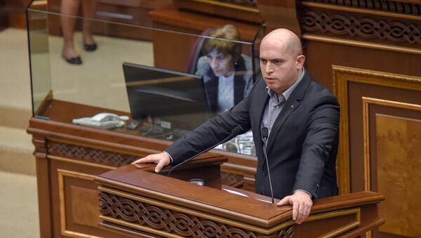 Армен Ашотян на специальном заседании парламента по выборам нового премьер-министра Армении (1 мая 2018). Еревaн - Sputnik Армения