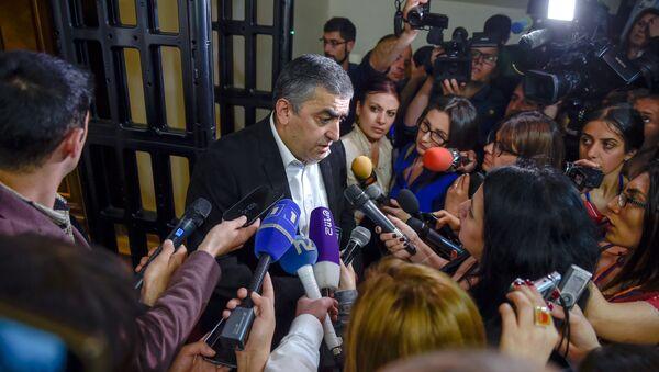 Интервью Армена Рустамяна после специального заседания парламента (1 мая 2018). Еревaн - Sputnik Արմենիա