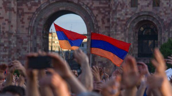 Митинг на площади Республики (2 мая 2018). Еревaн - Sputnik Армения